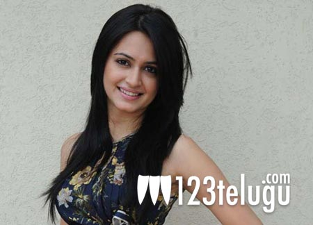 Kriti_Kharbanda_follows