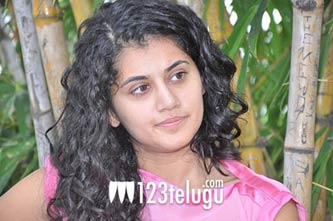 Tapsee-(2)