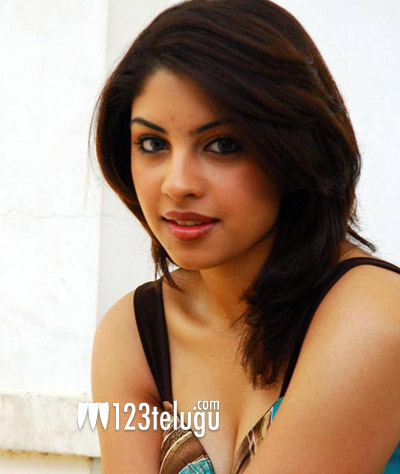 richa-gangopadhyay-cleavage