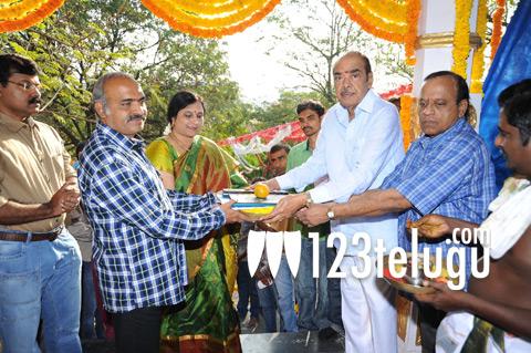 Ramanaidu-Movie-Pattudala-P