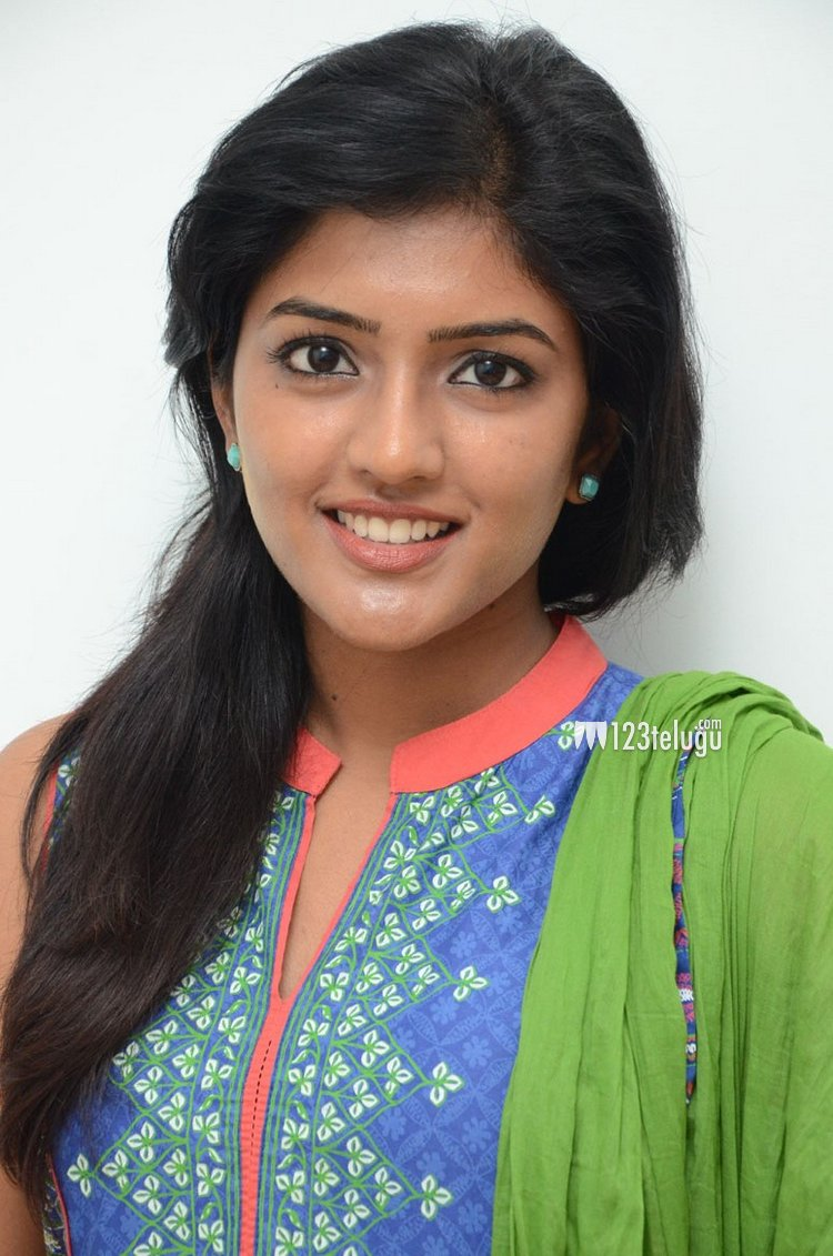 Eesha New Stills (6)
