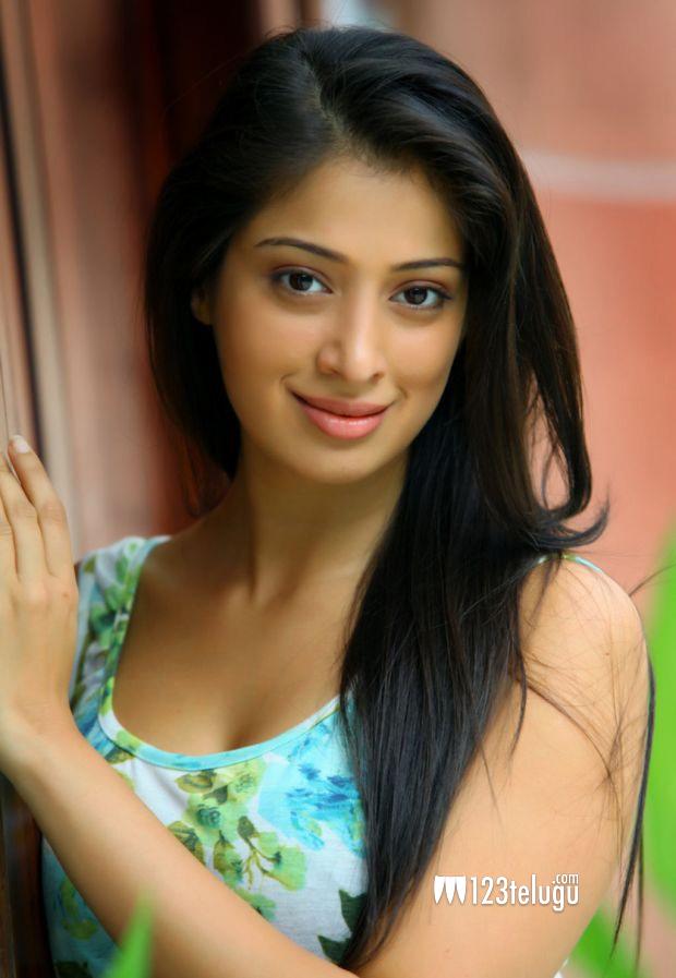 Lakshmi-Rai pic