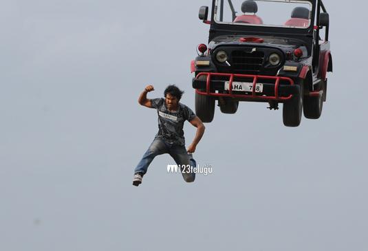 VishnuManchu-Stunt