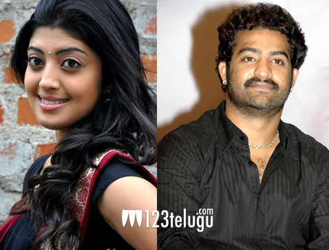 Pranitha-to-team-up-with-NT