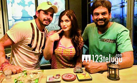 Sreesanth-and-Zarine-visit-