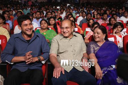 krishna-with-family