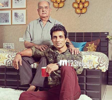 Sonu-Sood's-father-passes-a