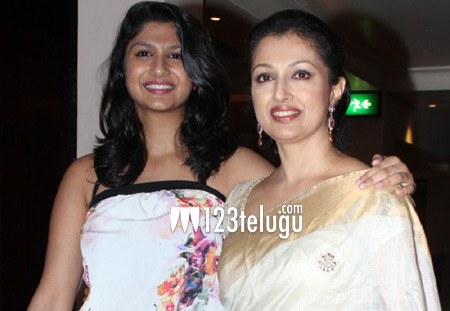 gautami-and-her-daughter