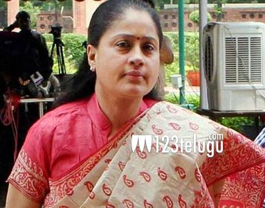 Vijaya Shanti's solo scenes being canned for Sarlileru Neekevvaru