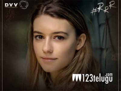 Fresh speculation on NTR's lady in RRR | 123telugu.com