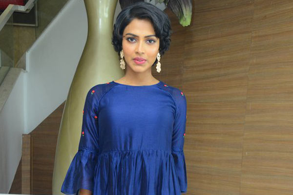 Talented actress in Jersey's Tamil remake?