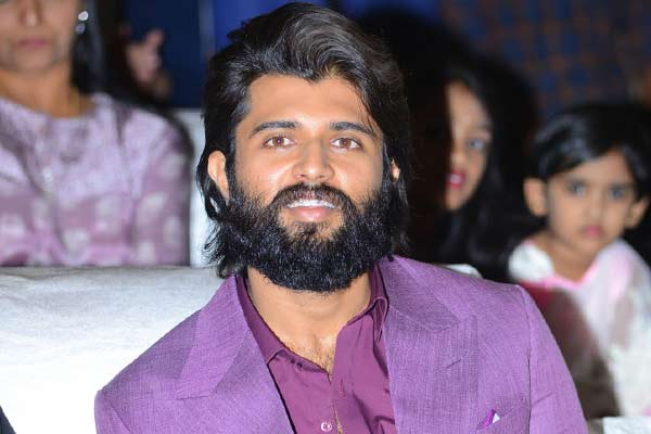 Vijay Deverakonda to team up with this young director?