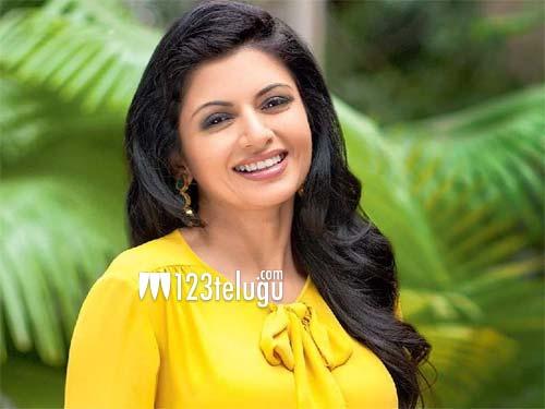 Noted Hindi actress to play Prabhas's mom