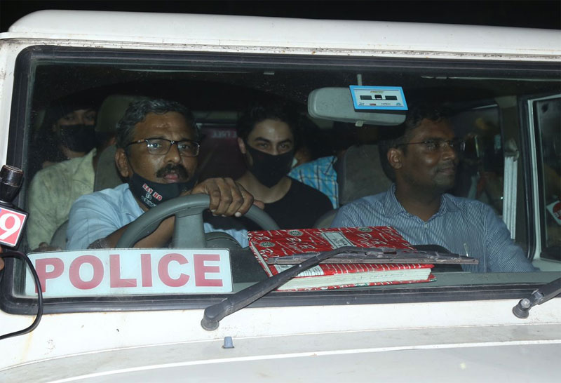 Shah Rukh Khan's son Aryan Khan Arrest Pics