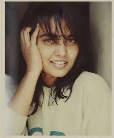 A rare and gorgeous snap of Silk Smitha goes viral