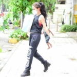 Isabelle Kaif spotted at a foodhall in bandra